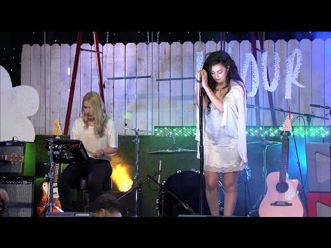 The Fault In Our Stars I Charli XCX – Boom Clap – Live at The Fault In Our Stars Live Stream Event