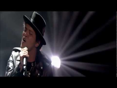 Bruno Mars - When I Was Your Man (Live Jonathan Ross Show)