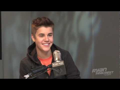 "Justin Bieber Debuts ""Boyfriend"" 