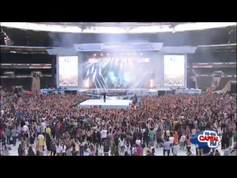 Example - Changed The Way You Kiss Me Live at the Capital Summertime Ball 2012