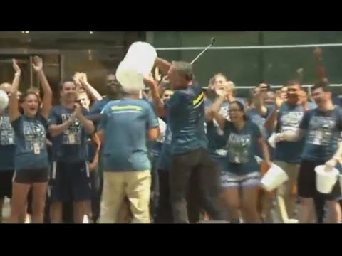 Mike Bloomberg and Dan Doctoroff take the ALS Ice Bucket Challenge