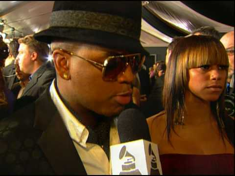 Ne Yo on the red carpet at the 51st GRAMMYs