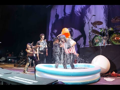 Alice Cooper takes the ALS Ice Bucket Challenge, calls out Motley Crue & Johnny Depp!