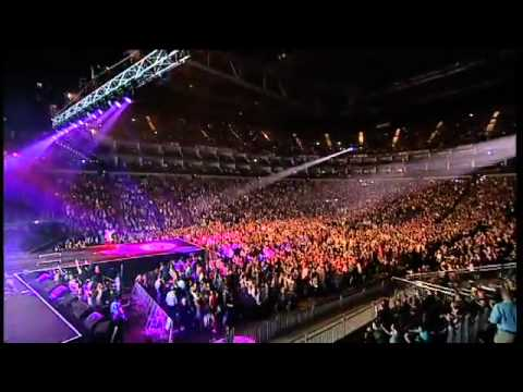 Olly Murs ft. Rizzle Kicks - Heart Skips A Beat - Jingle Bell Ball 2011