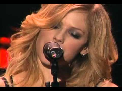 Avril Lavigne - Nobody's Home (Tsunami Relief Benefit Concert 01/29/2005)