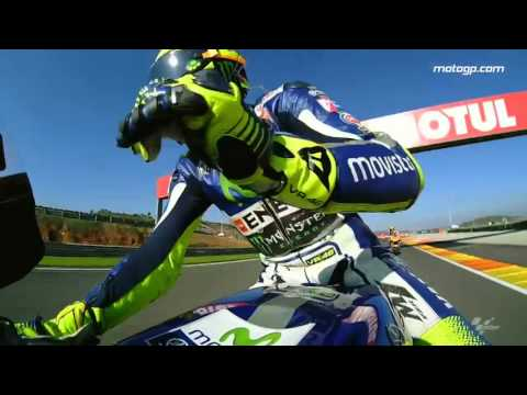 #TheGrandFinale: Rossi's lap of honour