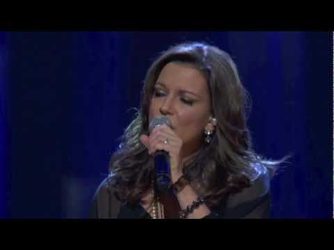 "2011 MDA Telethon Performance - Martina McBride ""Somewhere Over the Rainbow"""