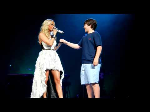 Carrie Underwood gives 12 yr old first kiss