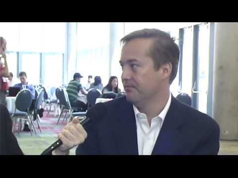 Jason Calacanis takes on his iPhone in a jailbreaky deathmatch at SES San Jose 2009