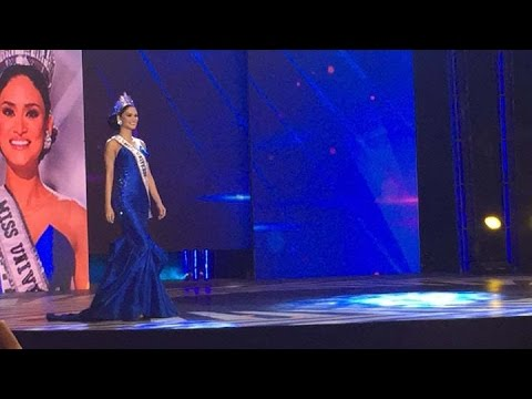 Miss Universe Pia Wurtzbach takes her victory walk at the Big Dome