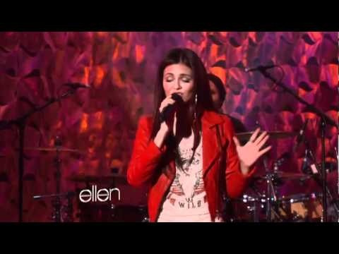 Victoria Justice Performs 'Make It in America'