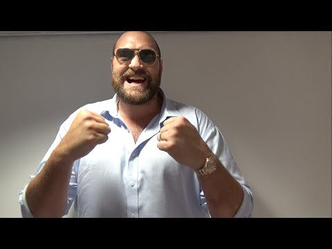 WOW! 'THE GYPSY KING' TYSON FURY PREDICTS CONOR McGREGOR WILL KO FLOYD MAYWEATHER In 35 SECONDS!