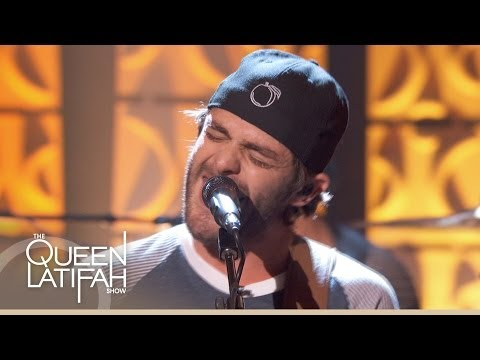Thomas Rhett Performs 'It Goes Like This' on The Queen Latifah Show