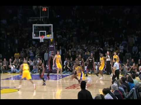 Kobe Bryant Game Winning Buzzer Beater Over Dwyane Wade Vs Miami Heat (12.4.09)