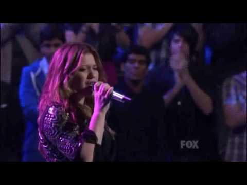 Kelly Clarkson - My Life Would Suck Without You - American Idol Season 8 HD