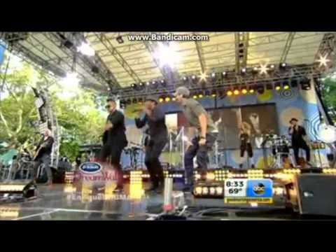 "Enrique Iglesias Performs ""Bailando"" on GMA - Good Morning America"