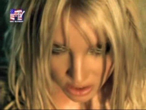 Britney Spears - womanizer [OFFICIAL MUSIC VIDEO]