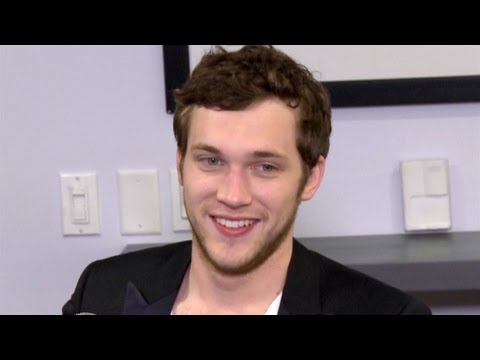 Phillip Phillips' Girlfriend Unfazed By Fans | Interview | On Air With Ryan Seacrest