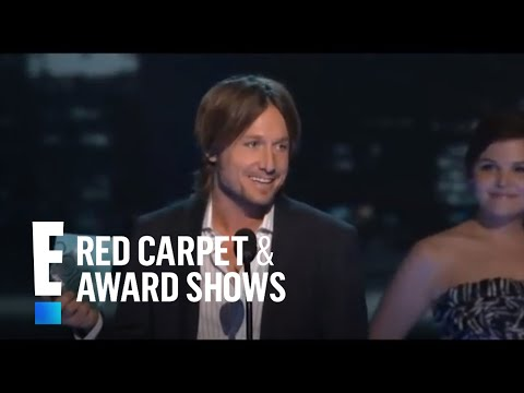 PCA 2010: Keith Urban accepts the award for Favorite Male Artist