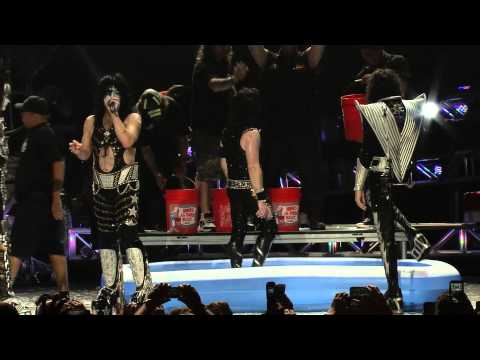 KISSONLINE EXCLUSIVE: KISS / Def Leppard Ice Bucket Challenge (KISS CAM)