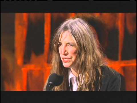Patti Smith accepts award Rock and Roll Hall of Fame Inductions 2007