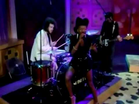 Noisettes - Wendy Williams Show