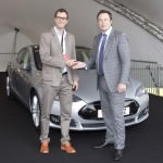 first-tesla-model-s-cars-delivered-to-uk-customers_100468965_l