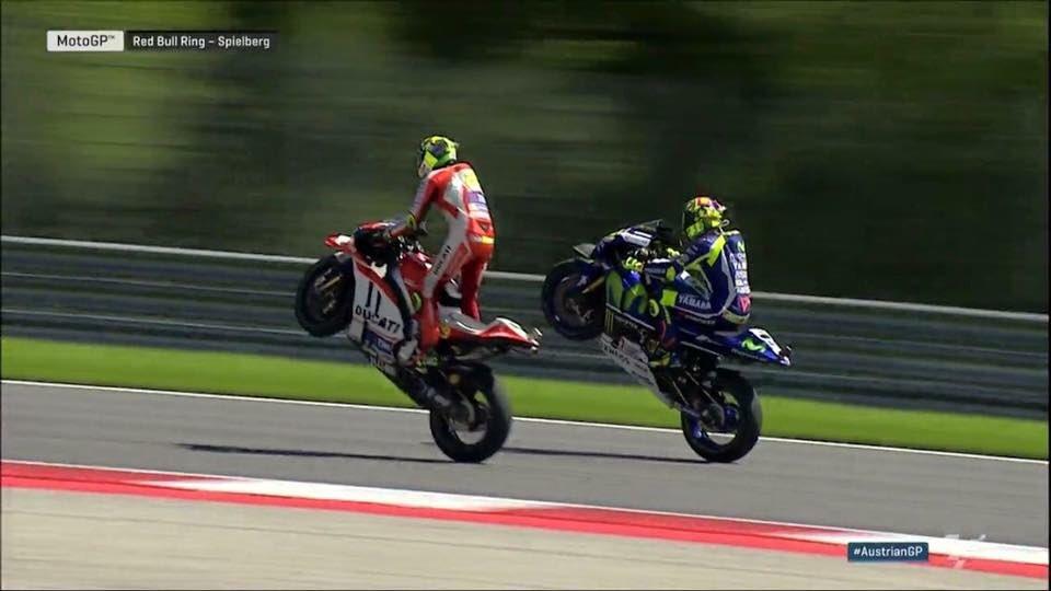 Rossi Ianonne wheelie Austrian GP